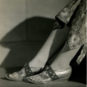 Vivien Leigh wore Rayne shoes designed by Oliver Messel in the movie Anthony and Cleopatra