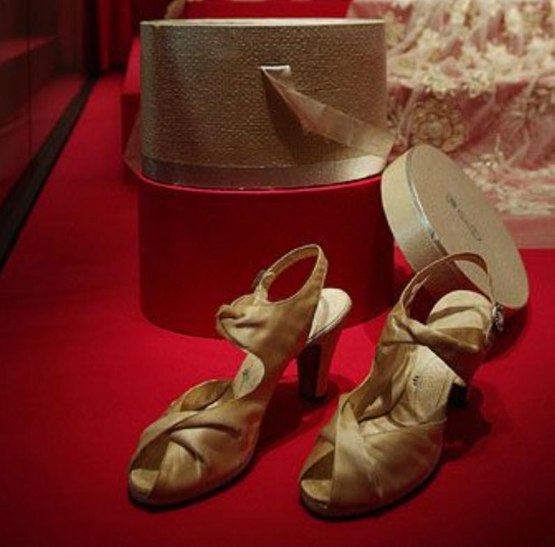 HM The Princess Elizabeth wears Rayne shoes at her wedding to HRH The Duke of Edinburgh
